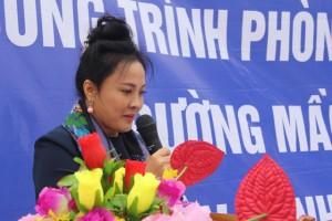 Bà Nguyễn Kim Thúy, Chủ tịch HĐQT kiêm Tổng giám đốcTập đoàn Đỉnh Vàngrất xúc động vì Tập đoàn đã giúp đỡ được một phần nhỏ bé để các cháu học sinh ở bản nghèo có được một căn phòng học mới khang trang